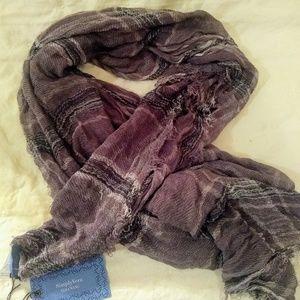 Vera Wang brand scarf